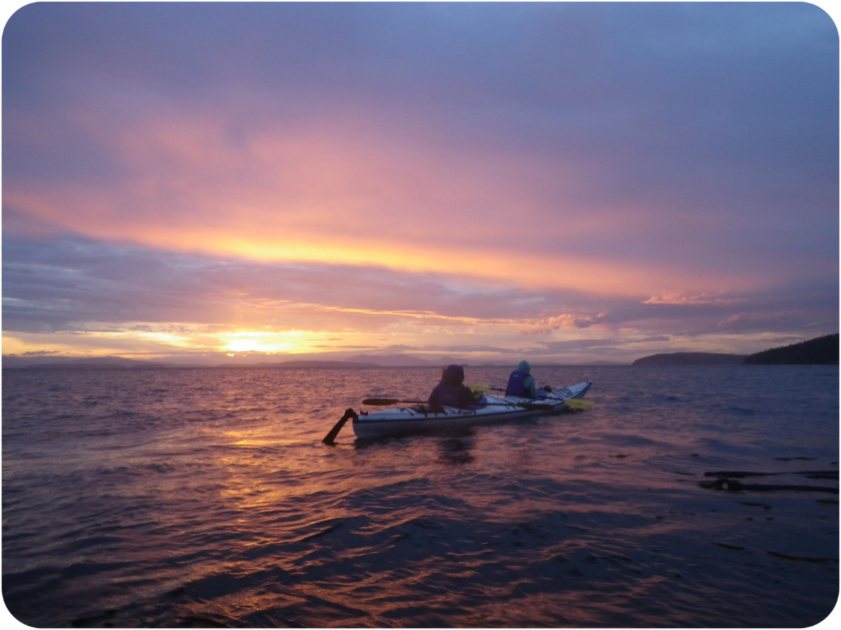 kayaking sunset san juan island
